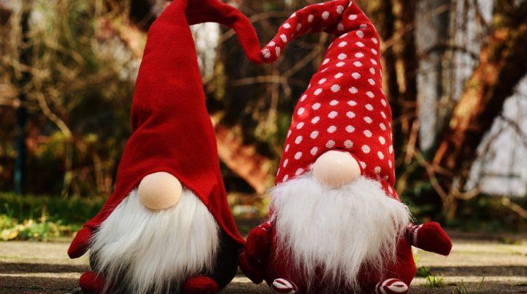 Elfi e le letterine di Babbo Natale