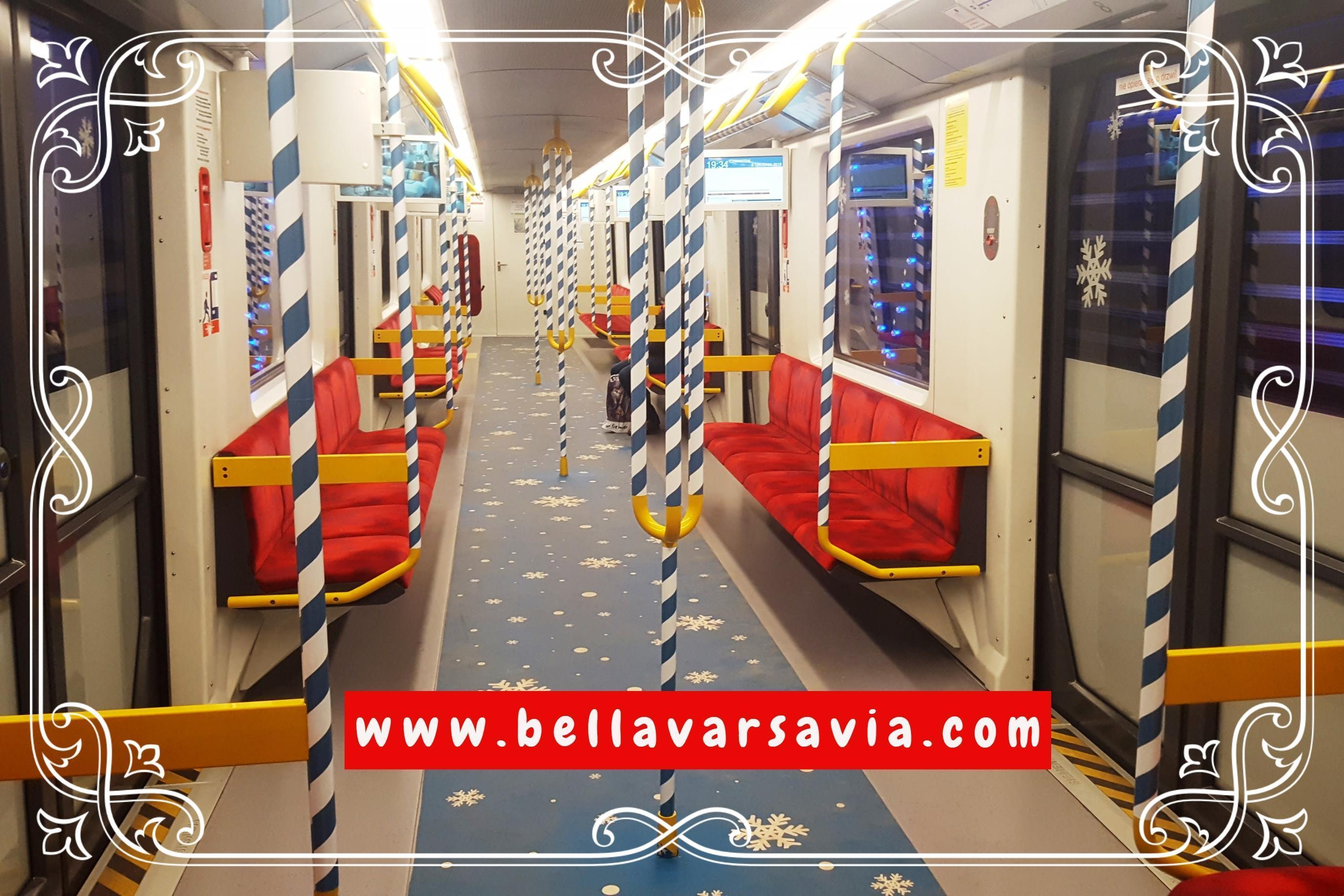 la Metro di Varsavia a Natale