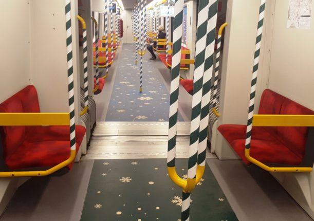 Metro di Varsavia decorazioni di Natale